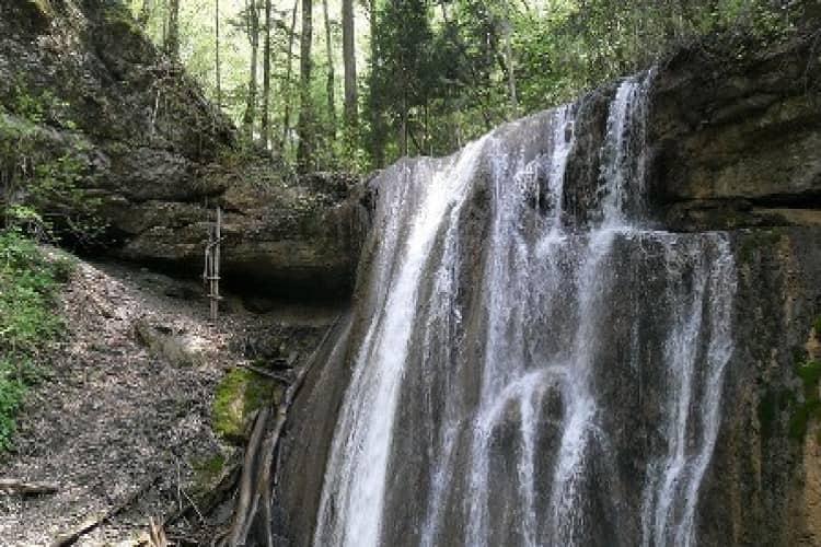 Очень интересным и стоящим внимания в Горячем Ключе оказался Адов водопад.
