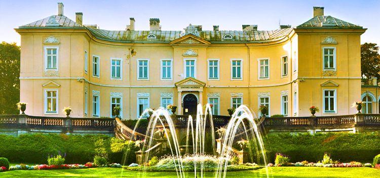 Дворец Тышкевичей в Паланге - наиболее интересная достопримечательность в Литве.