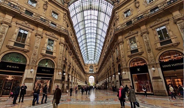 Галерея Витторио Эммануэле II – старейший торговый центр во всей Европе и достопримечательность в Милане.