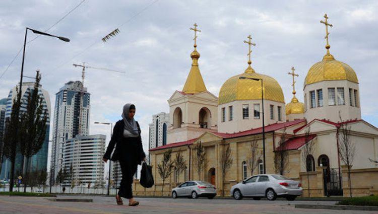 Храм Архангела Михаила - этот православный храм, куда можно сходить верующим в Грозном.
