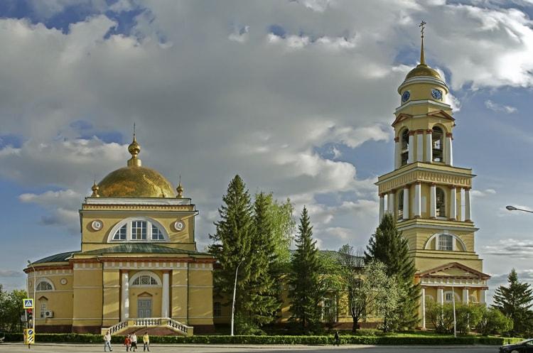 Кафедральный собор, культовая достопримечательность в Липецке, которую обязательно нужно посмотреть туристу.