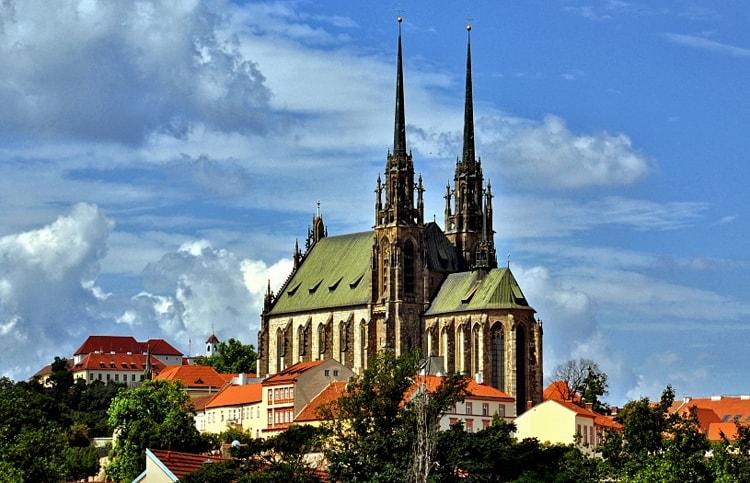 Кафедральный собор Св. Петра и Павла, культовая достопримечательность Брно.