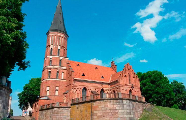 Костел Св. Витаутаса – старейший в стране храм, а также достопримечательность города Каунас.