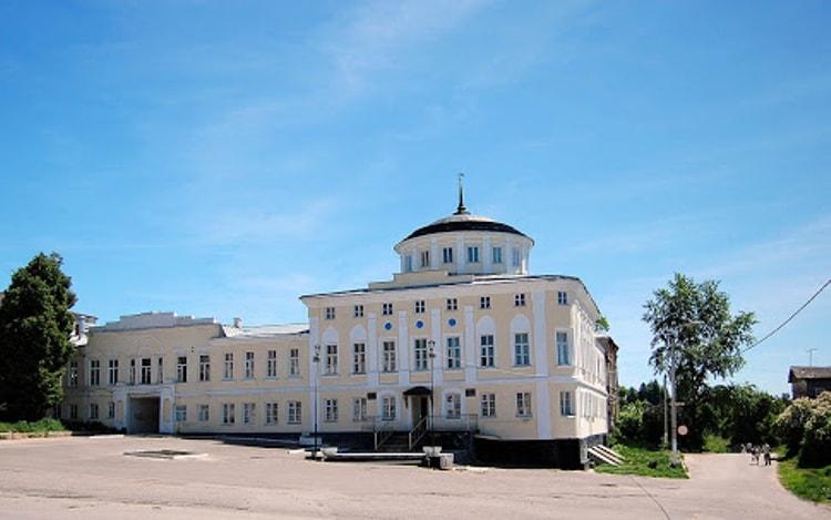 Краеведческий музей города Касимов, тоже является его достопримечательностью.
