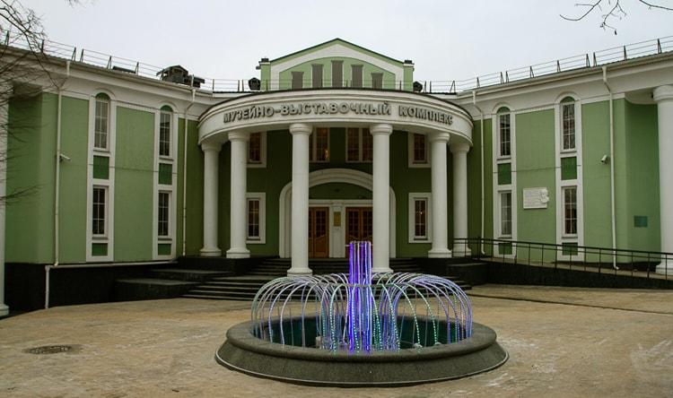 Краеведческий музей интересная достопримечательность города Дмитрова.