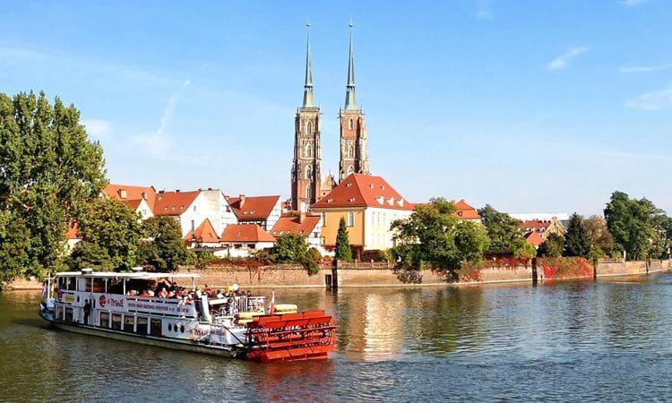 Гуляя по Вроцлаву, обязательно стоит посетить достопримечательность - Ostrów Tumski.