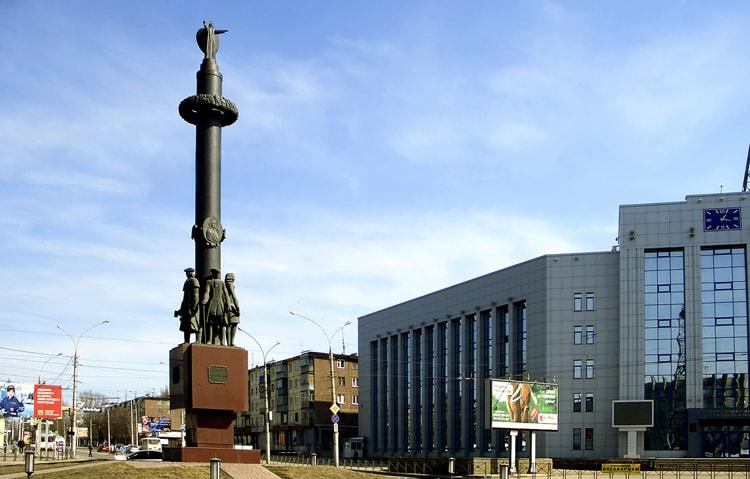 Памятник основателям Липецка.