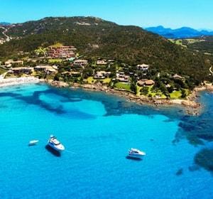 Живописный итальянский остров Сардиния со всеми достопримечательностями - известен на весь в мир в первую очередь, как элитный курорт.