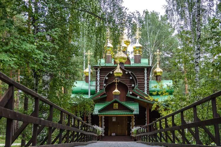 Говоря об архитектуре Свердловской области, несомненно, нельзя обойти стороной самый загадочный объект – Ганину Яму.