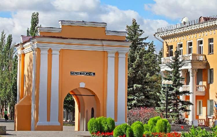 Тарские ворота - достопримечательность в Омске.
