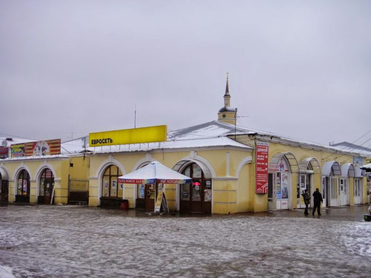 На территории Торговых рядов и по сей день находится рынок и различные магазины.