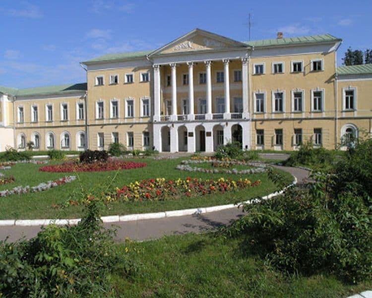 Усадьба Ивановское – памятник архитектуры XVII столетия и достопримечательность в Подольске.