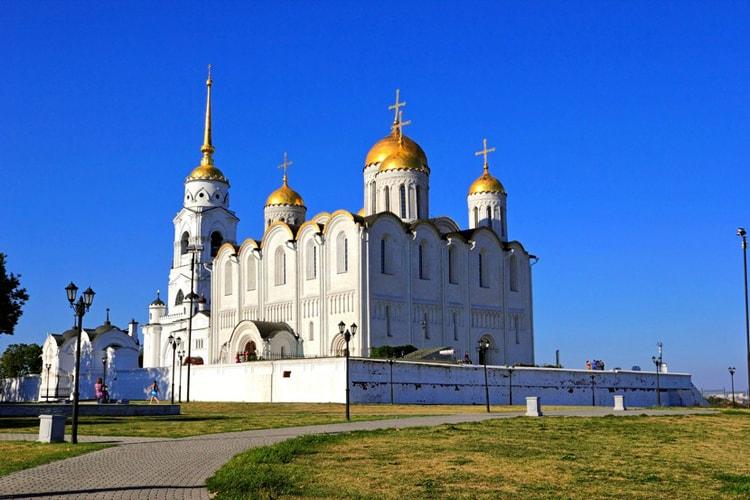 Успенский собор, культовая достопримечательность Владимира.