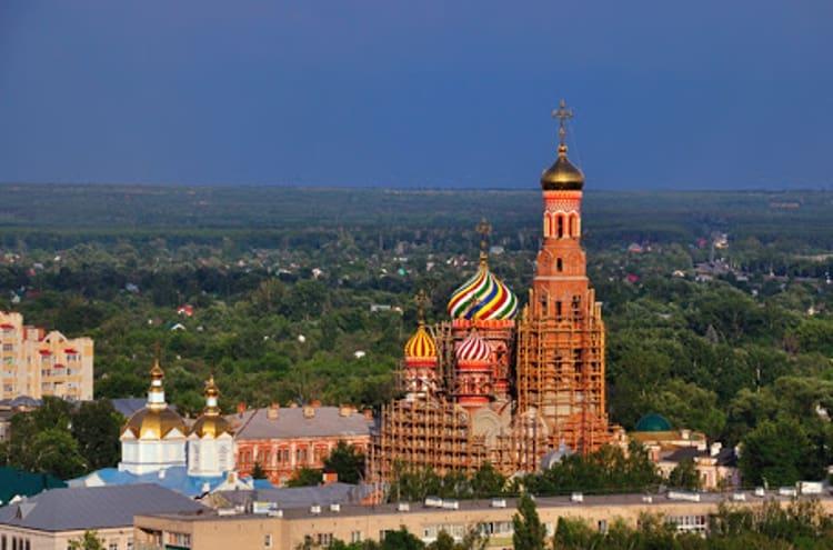 Одним из самых известных Тамбовских религиозных сооружений и достопримечательностью, является Вознесенский собор.