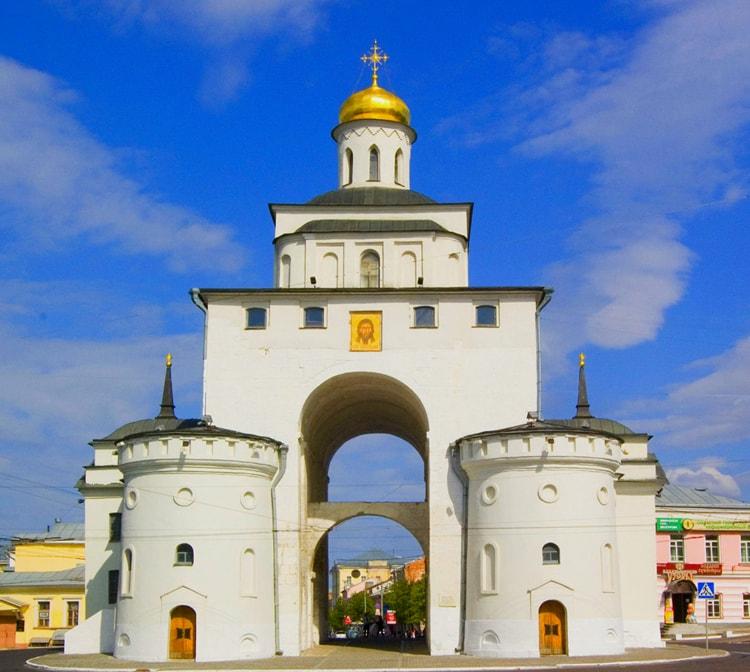 Золотые ворота, древняя достопримечательность Владимира.