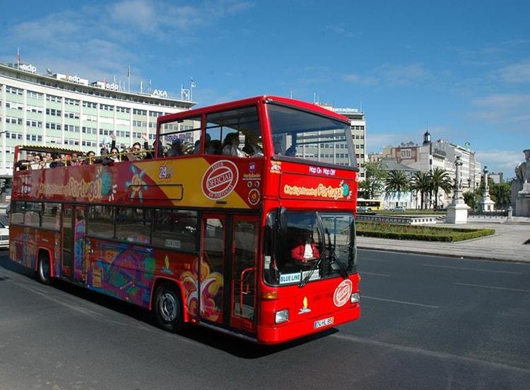 Автобус hop on – hop off.