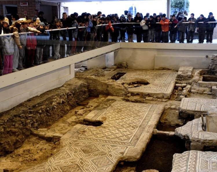 Знаменитый в Риминии - Дом хирурга - это уникальный археологический комплекс.