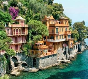Генуя с достопримечательностями – приморский город-порт в северной части Италии.