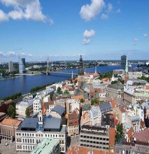 Латвия со всеми извесными достопримечательностями.