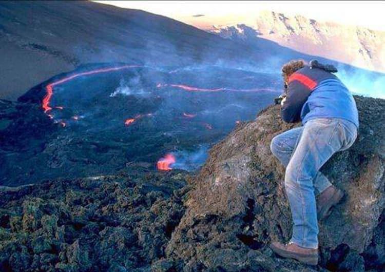 Вулкан Этна отличное место для съемок фантастических фильмов и главная достопримечательность в Сицилии.