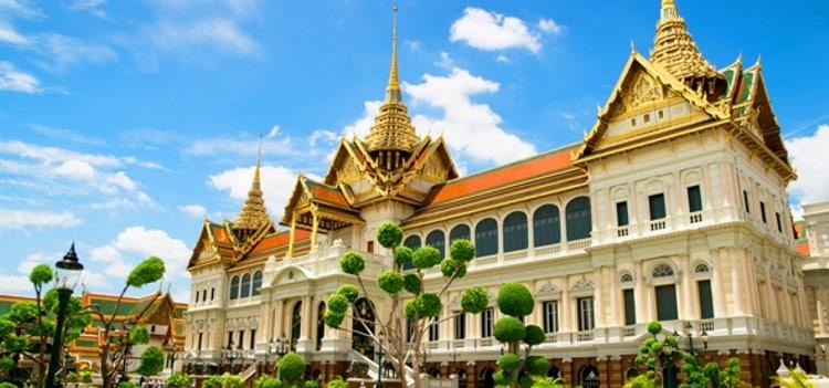 Королевский дворец - одна из главных достопримечательностей Бангкока.