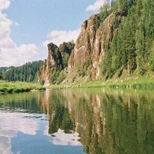 Самые главные достопримечательности Урала, куда лучше поехать туристу.