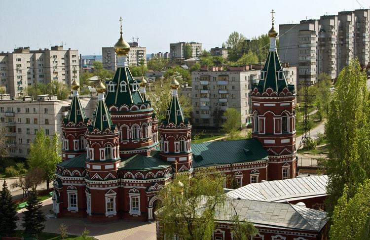 Казанский кафедральный собор, культовая достопримечательность Волгограда.