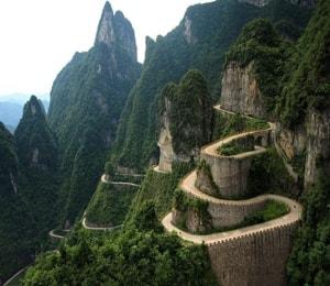 Парк Чжанцзяцзе и его знаменитые достопримечательности, которые нужно посетить.