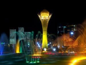 Уникальная достопримечательность Казакстана - монумент Байтерек.