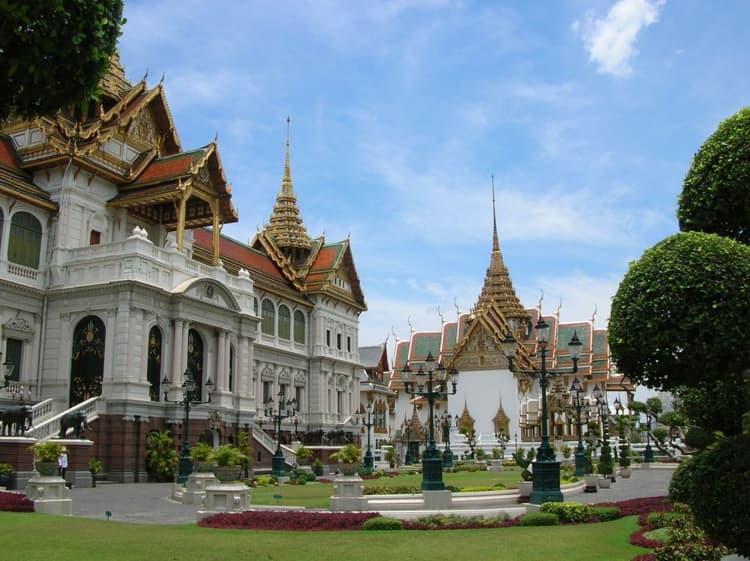 Если вы самым первым делом в Бангкоке посетите именно Королевский дворец - достопримечательность в Бангкоке.