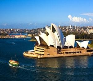 Сиднейский оперный театр является одним из самых известных и узнаваемых сооружений Австралии.