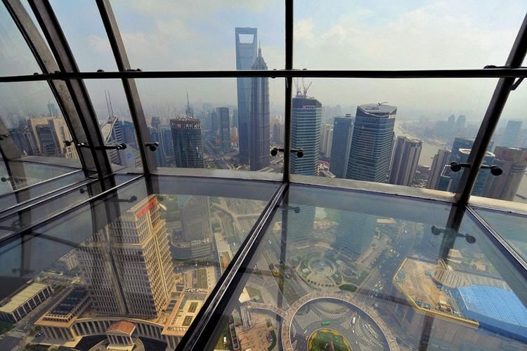 Смотровая площадка, захватывающая достопримечательность, Шанхайский всемирный финансовый центр.