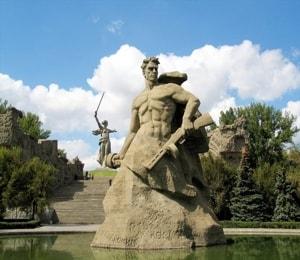Мамаев курган - интересная достопримечательность России.