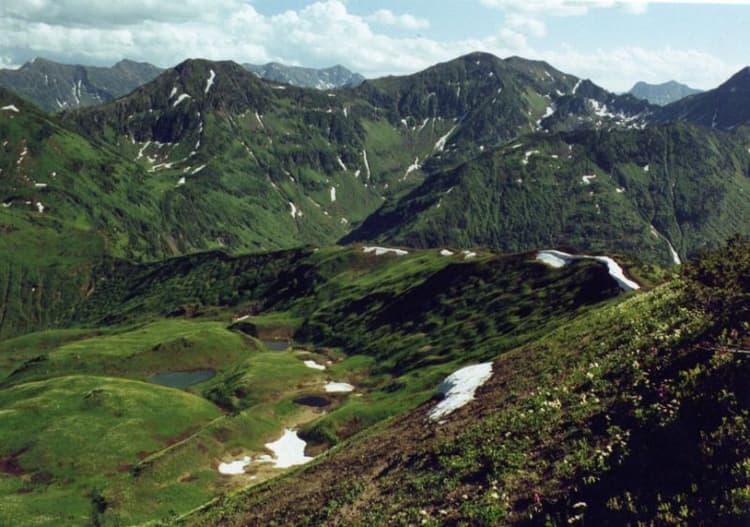 На территории Байкальского заповедника расположен самый живописный и уникальный хребет Хамар-Дабан
