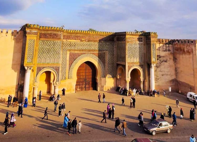 Мечеть Баб-Бердаин - достопримечательности Марокко.