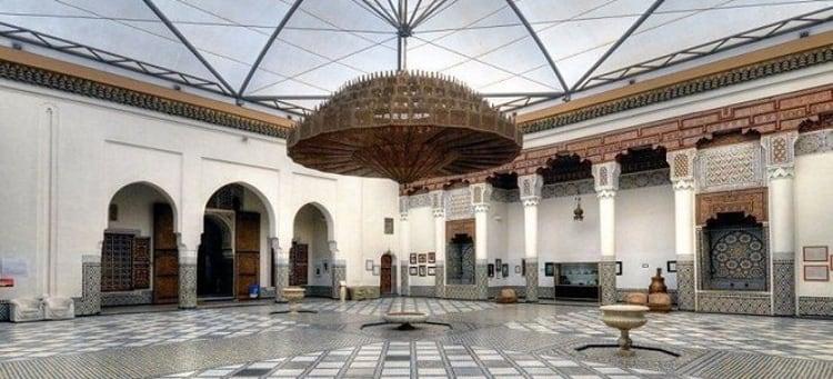 Музей Марракеша - содержит основательную коллекцию реликвий различных эпох и является достопримечательностью Марокко.