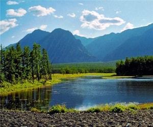 Байкало-Ленский заповедник - это самая большая природоохранная зона на Байкале.