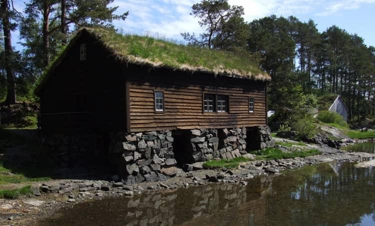 Отдельного упоминания заслуживают этнографические музеи «под открытым небом», которые есть почти во всех городах Норвегии.