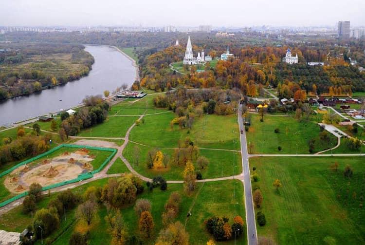Музей-заповедник Коломенское - парк необычный.