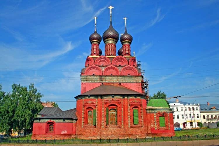 Церковь Богоявления в ярославском музей заповеднике - выделяется своей необычной архитектурой