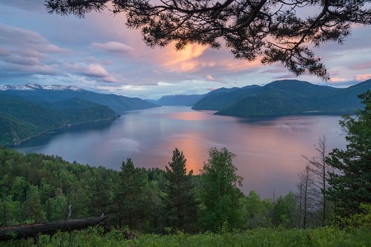 Алтайский заповедник и его достопримечательность - Телецкое озеро