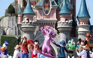 Диснейленд в Париже удивляет своими аттракционами и увлекательными развлечениями