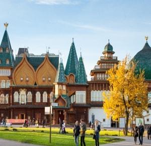 Музей-заповедник Коломенское располагается на территории Коломенского парка и является комплексным памятником истории и культуры