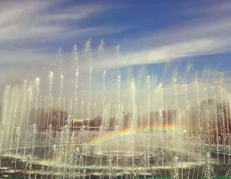 Музыкальный фонтан в царицыно музей заповеднике завораживает своей красотой