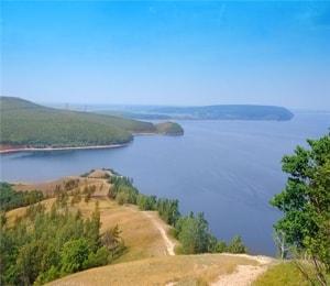 Самарская лука национальный парк очень интересный для любознательных туристов.