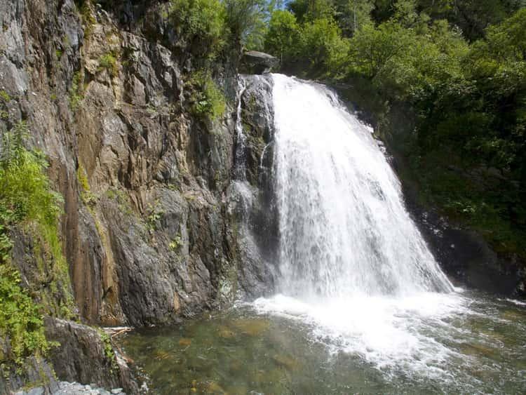 Алтайский заповедник и его достопримечательность - водопад – Корбу