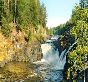 Заповедник кивач славиться не только водопадом, а и другими достопримечательностями
