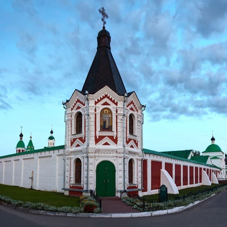 Спасо Преображенский монастырь и его достопримечательность - Часовня Николая и Ильи