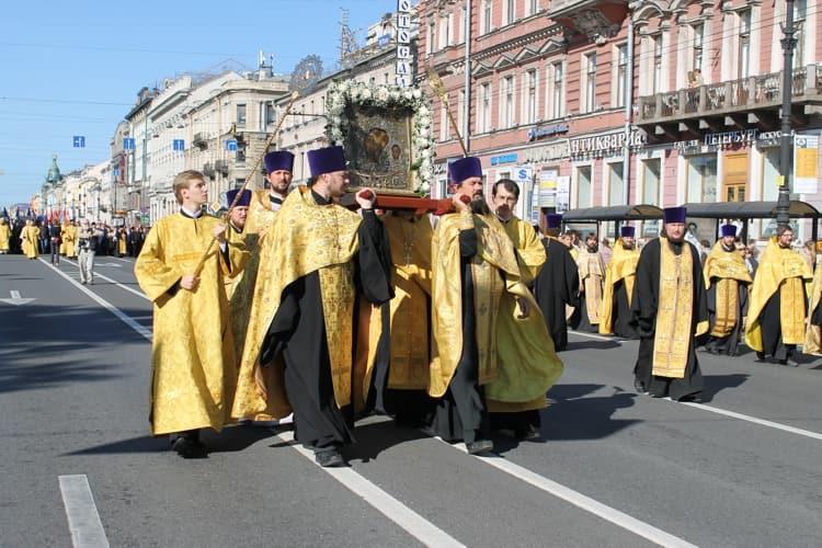 Казанский собор и его святыня - Икона Казанской Божьей Матери