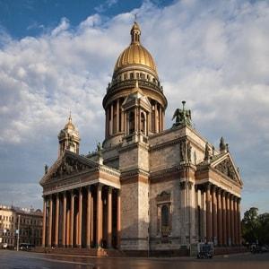 Исаакиевский собор — крупнейший на сегодняшний день православный храма Санкт-Петербурга и одно из высочайших купольных сооружений в мире
